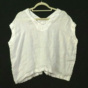 CP Shades 100% linen White v-neck oversized top